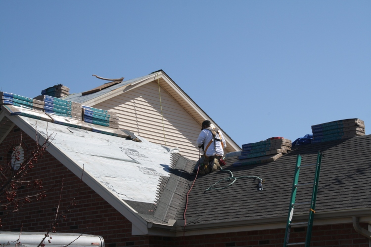 Roofing contracotrs