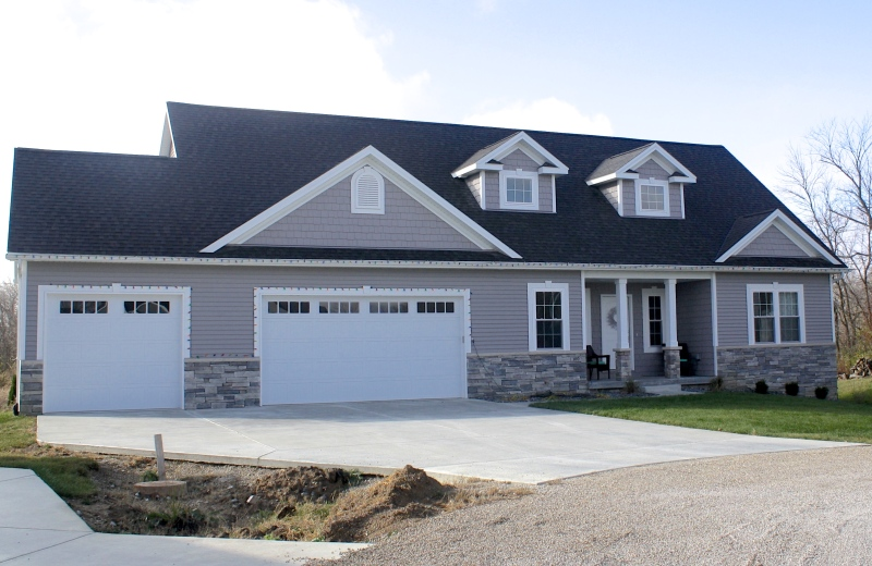 mastic-harbor-grey-siding-and-mastic-harbor-grey-staggered-shakes-white-trim-white-carriage-style-garage-door-certainteed-landmark-driftwood-roofing-downs-il