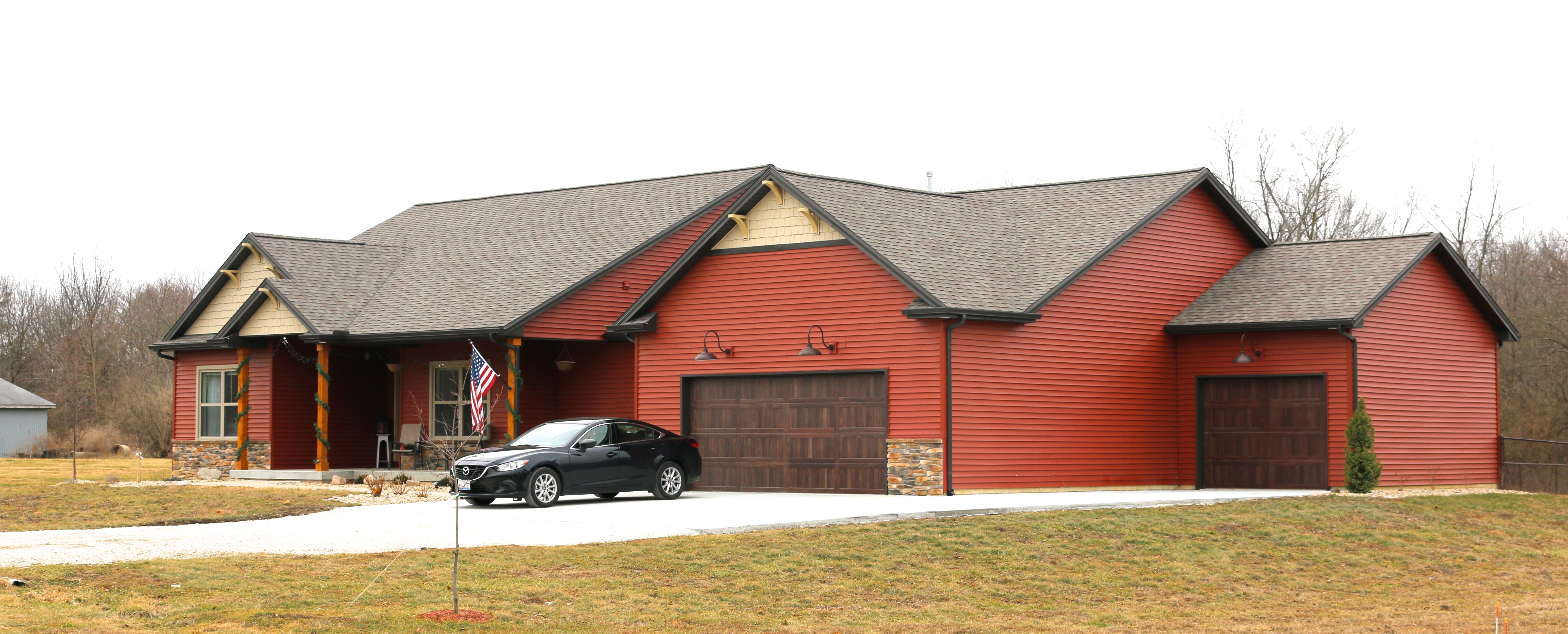 Redwood Red Siding Wicker Tan Shakes And Gable Brackets Weatehred