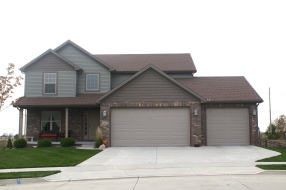 sable-brown-cedar-shakes-mastic-quite-willow-green-siding-brown-trim-certainteed-heatherblend-brown-roof-normal-il-blackstone